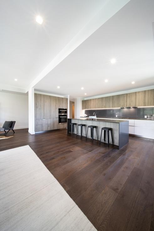 minimalist, open-plan urban kitchen design